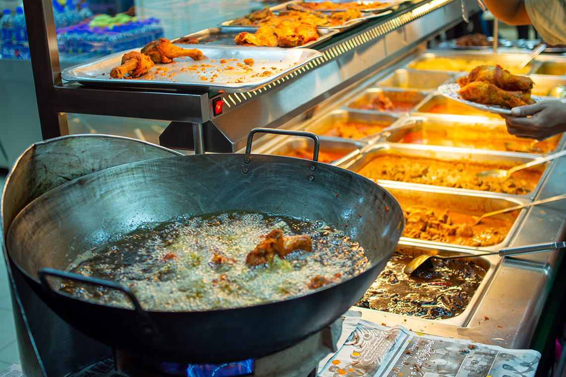 Heerlijke gerechten bij een Mamak restaurant