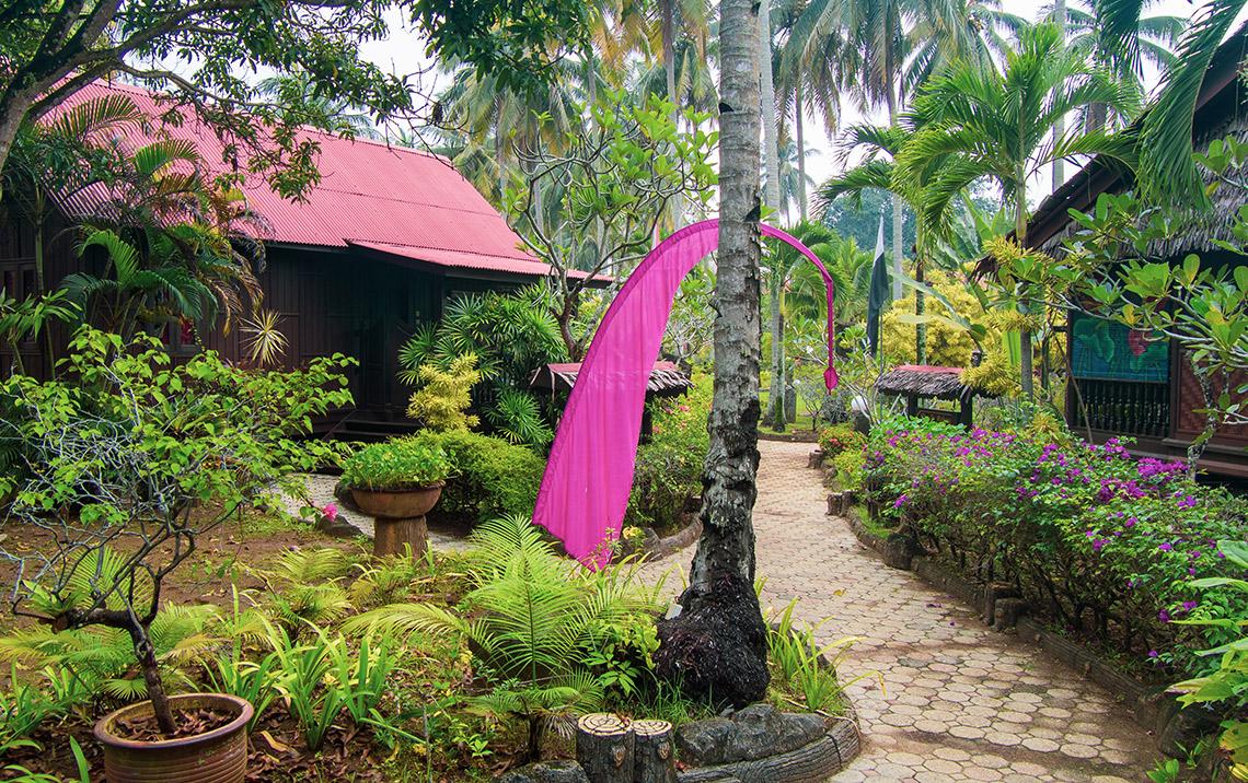 LaVilla By Holiday Villa