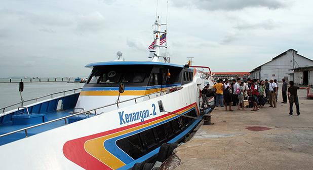 reisverslag-ilsa-2006-boot-tussen-langkawi-en-penang