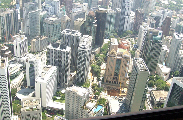 reisverslag-ilsa-2006-menara-kl-uitzicht