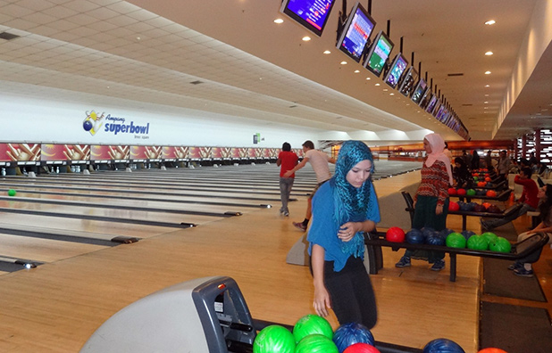 reisverslag-roan-bowling-baan-berjaya-times-square